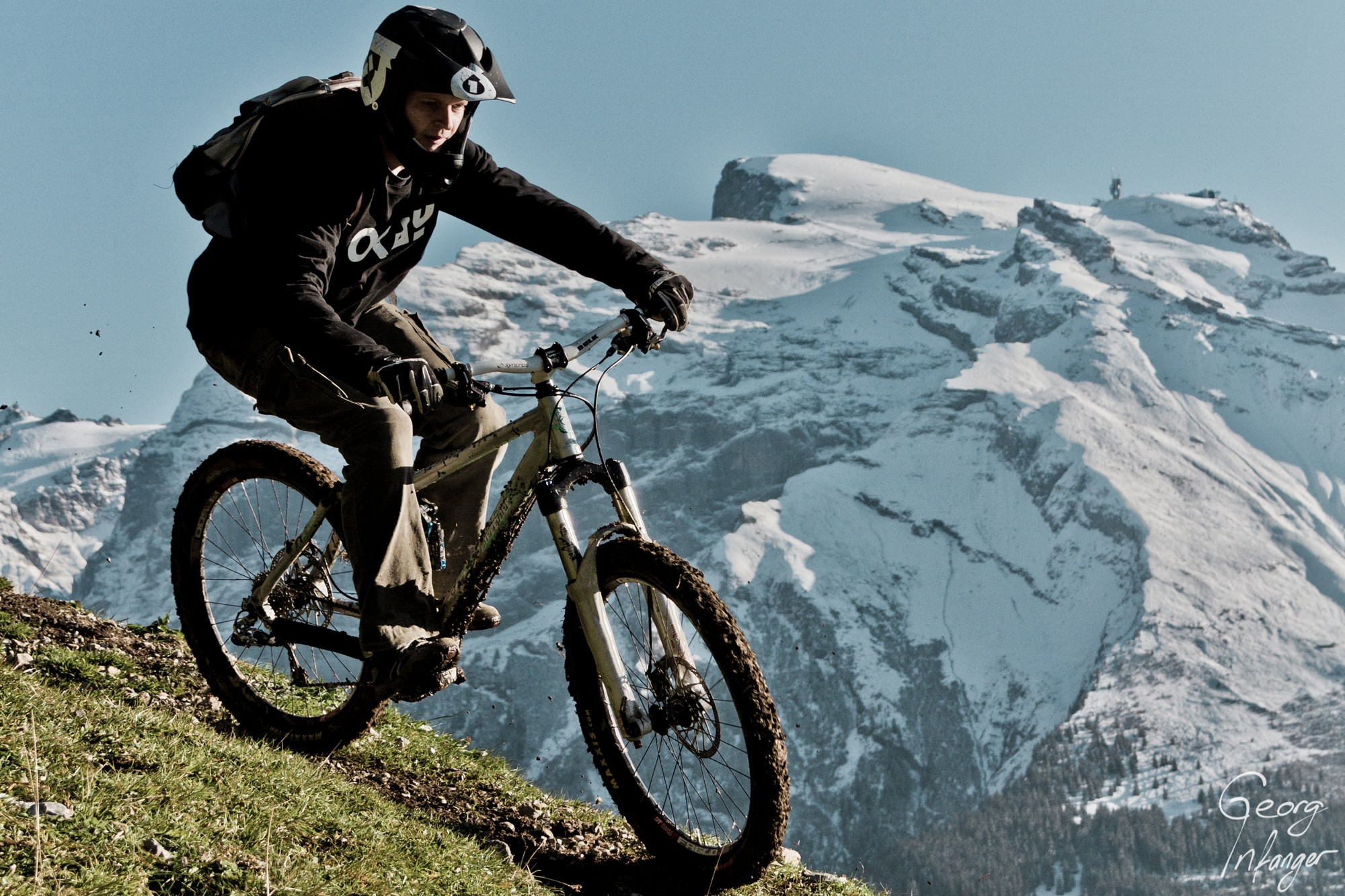 Beat Barmettler in Engelberg-beat barmettler biking downhill herbst titlis